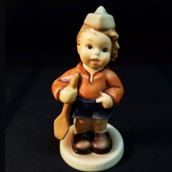 """⭐️HUMMEL⭐️Porcelain""""First Mate"""" Figurine"""